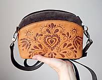 """Kabelky - PETIT """"Folk"""" mini kabelka s vypaľovaným obrázkom - 9718503_"""