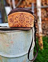 """Kabelky - PETIT """"Folk"""" mini kabelka s vypaľovaným obrázkom - 9718885_"""