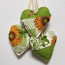 Úžitkový textil - Slnečnice na smotanovej - dekoračné srdiečko 13x13 - 9722703_