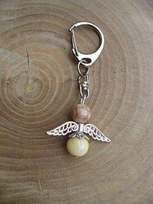 Iné šperky - kľúčenka, prívesok na kľúce anjel zo slnečného kameňa - 9720557_