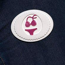 Odznaky/Brošne - Brošňa cyklámenové Plavky - 9724513_