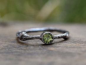 Prstene - Vetvičkový s brúseným olivínom - 9728278_