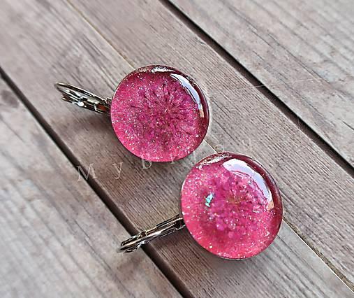 Ružové náušničky s kvietkom