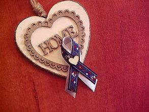 Pierka - Č.302 Folklórne pierka tmavomodré so srdcom - 9726918_