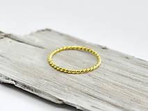 14k zlatý prsteň Pletený