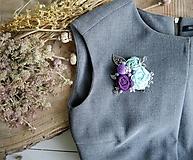 Odznaky/Brošne - Art brošňa 3 - ruže kvetinky fialová - 9732781_
