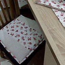 Úžitkový textil - Vintage ružičky na režnej - podsedák na stoličku - 9734101_