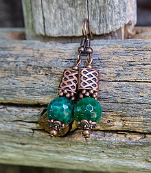 Náušnice - Smaragdovozelené acháty v medenom - náušnice - 9733454_