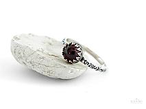 Prstene - CERTIFIKÁT 925 Strieborný prsteň s prírodným granátom - 9734965_