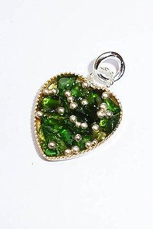 Náhrdelníky - Prívesok srdce malé (Smaragdit s granuláciou) - 9734813_