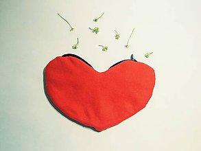 Taštičky - Kozmetická taštička v tvare srdca ZĽAVA zo 7,50€ - 9736158_
