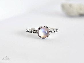 Prstene - CERTIFIKÁT 925 Strieborný prsteň s prírodným mesačným kameňom - 9738215_