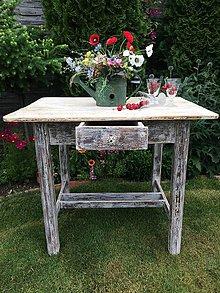Nábytok - Starý čarovný stôl - 9737549_