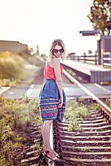 Sukne - Denimová sukňa s vyšívanou bordurou - 9738022_