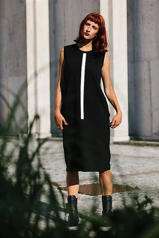 Šaty - FNDLK úpletové šaty 309 RL midi - 9740720_