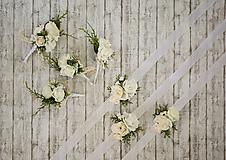 Náramky - Kvetinový náramok pre družičky - 9743273_