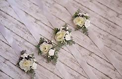 Náramky - Kvetinový náramok pre družičky - 9743279_