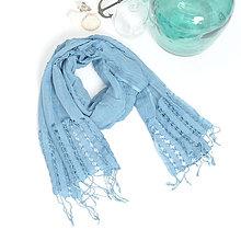 Šatky - Bavlnený modrý šál s nitkovým vzorom - 9741272_