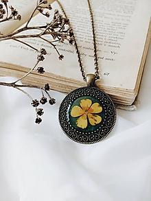 Náhrdelníky - Krása sušených kvetov - náhrdelník - 9744221_