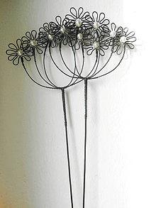 Dekorácie - Květuška bílá s perletí -zápich - 9743406_