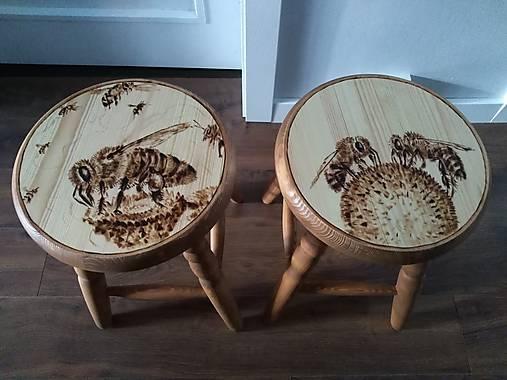 Včelarsky stolček