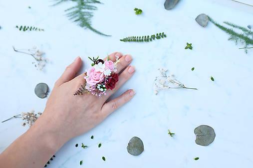 Kvetinový prsteň