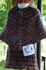Detské súpravy - Pletené dievčenské pončo so sukňou - 9747178_