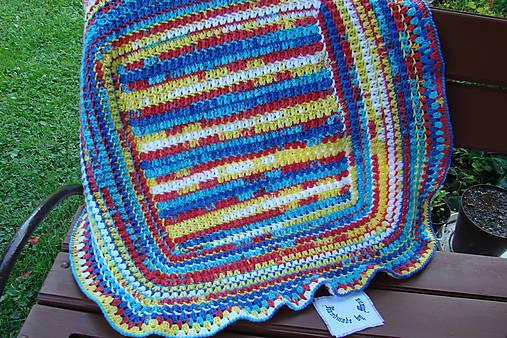 Háčkovaná detská deka pestrofarebná