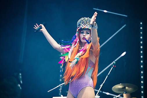 Hippie festivalový baret