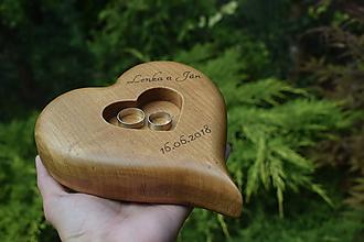Prstene - Svadobné srdce na obrúčky - 9747774_
