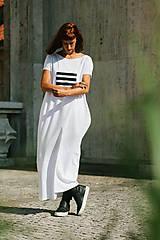 Šaty - FNDLK úpletové šaty 299 BKkL dlouhé - 9748878_