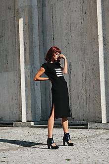 Šaty - FNDLK úpletové šaty 302 RL midi s rozparkami - 9748907_