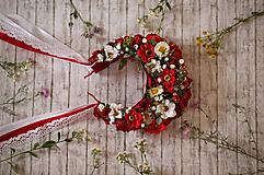 Ozdoby do vlasov - Folklórna svadobná kvetinová parta červená - 9749439_