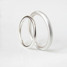 Prstene - Sme párik Modernistov :-) Obrúčky guľaté (Strieborné Ag 925) - 9748250_