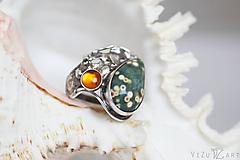 - Strieborný prsteň s oceánskym jaspisom a jantárom - Jazerné dno - 9752367_