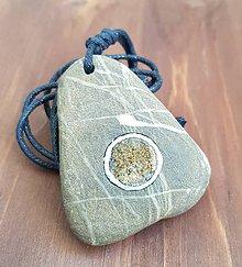 Náhrdelníky - Achátová drúza v masívnom kameni - 9753113_