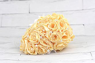 Kytice pre nevestu - Saténová kytica svadobná krémová ruže predĺžená - 9751433_