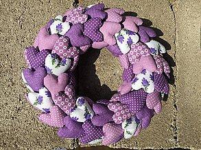 Dekorácie - veniec zo  ♥ ♥ ♥ ♥ fialový - 9750672_