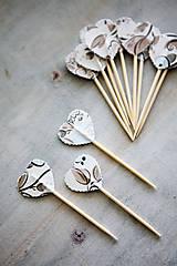 Dekorácie - Candy bar - napichovátka (zápich) - s kvetmi - 9757027_