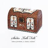 Nábytok - Ručne maľovaná miniatúrna truhlica Pennsylvania Dutch - hnedá - 9756192_