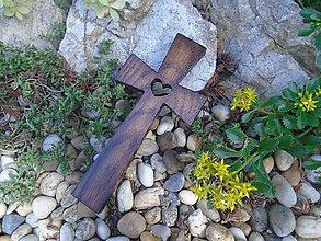 Dekorácie - Krížik so srdiečkom 2 - 9758617_