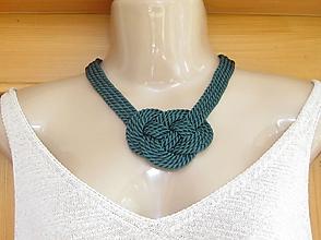 Náhrdelníky - Uzlový náhrdelník hrubý (tmavo zelený č. 2222) - 9758103_
