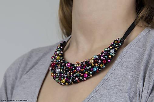 8c9314425 Čierno-farebný náhrdelník / Majkatv - SAShE.sk - Handmade Náhrdelníky