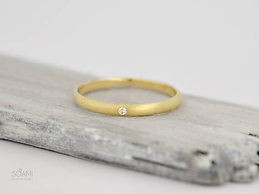 Prstene - 585/1000 zlatý zásnubný prsteň s diamantom (žlté zlato) - 9761419_