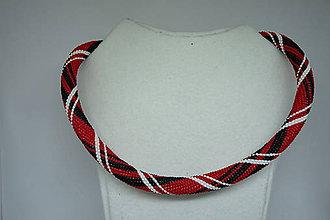 Náhrdelníky - Červeny náhrdelník s bielymi a čiernymi pruhmi - 9765476_