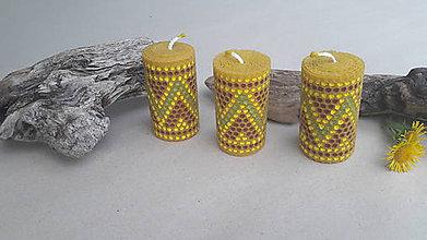 Svietidlá a sviečky - Sviečka z včelieho vosku - 9766348_