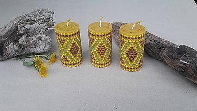 Svietidlá a sviečky - Sviečka z včelieho vosku - 9766503_