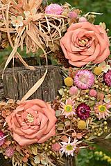 Dekorácie - Veľký prírodný veniec s ružami - 9764643_