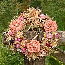 Dekorácie - Veľký prírodný veniec s ružami - 9765285_