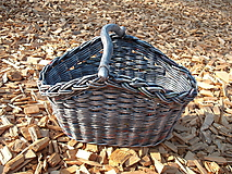 - šedý košik s drevenou rúčkou - 9765355_